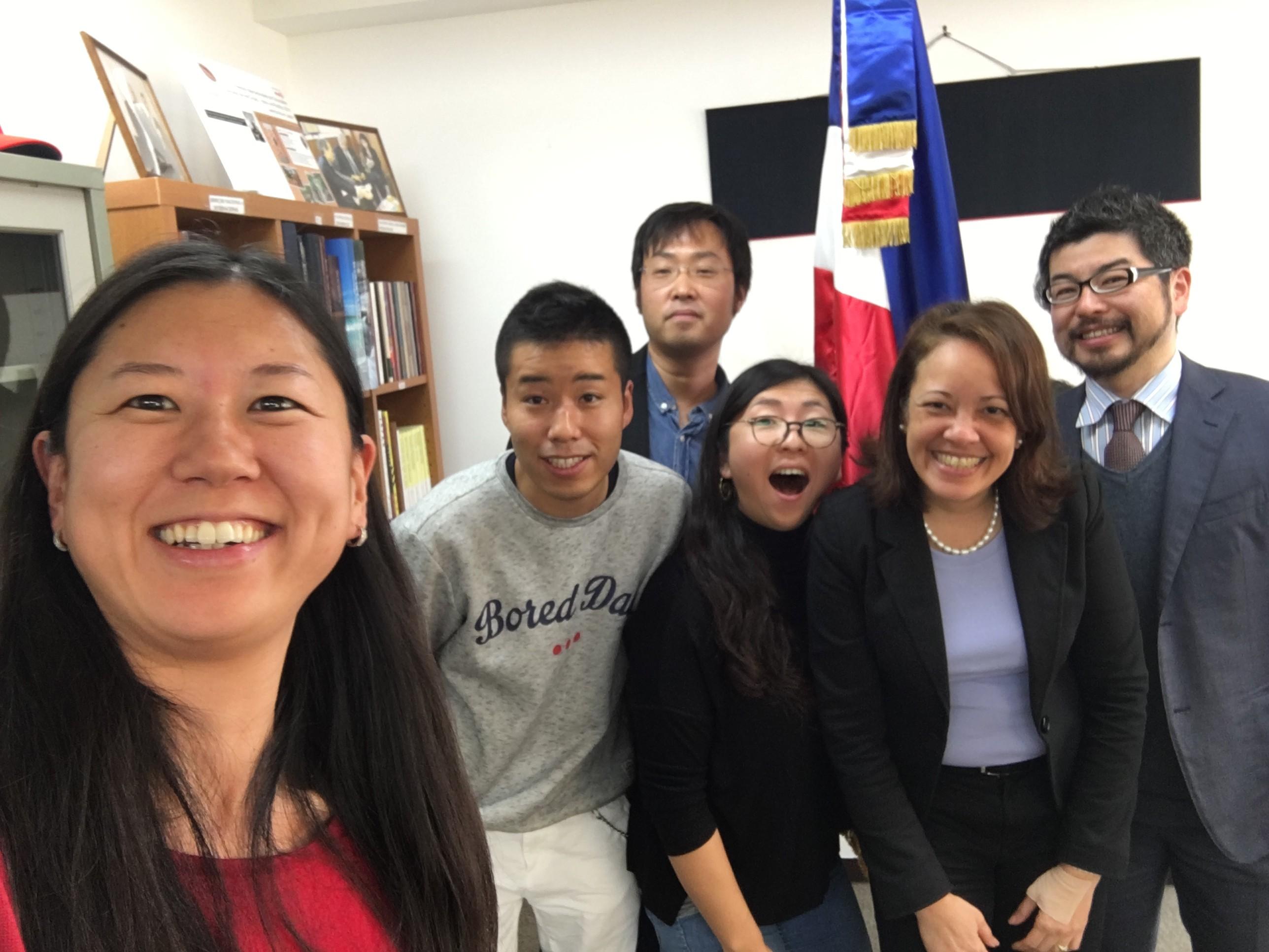 JICAボランティアの皆様の帰国報告(Visita de cortesía por los voluntarios de JICA a la Embajada Dominicana)