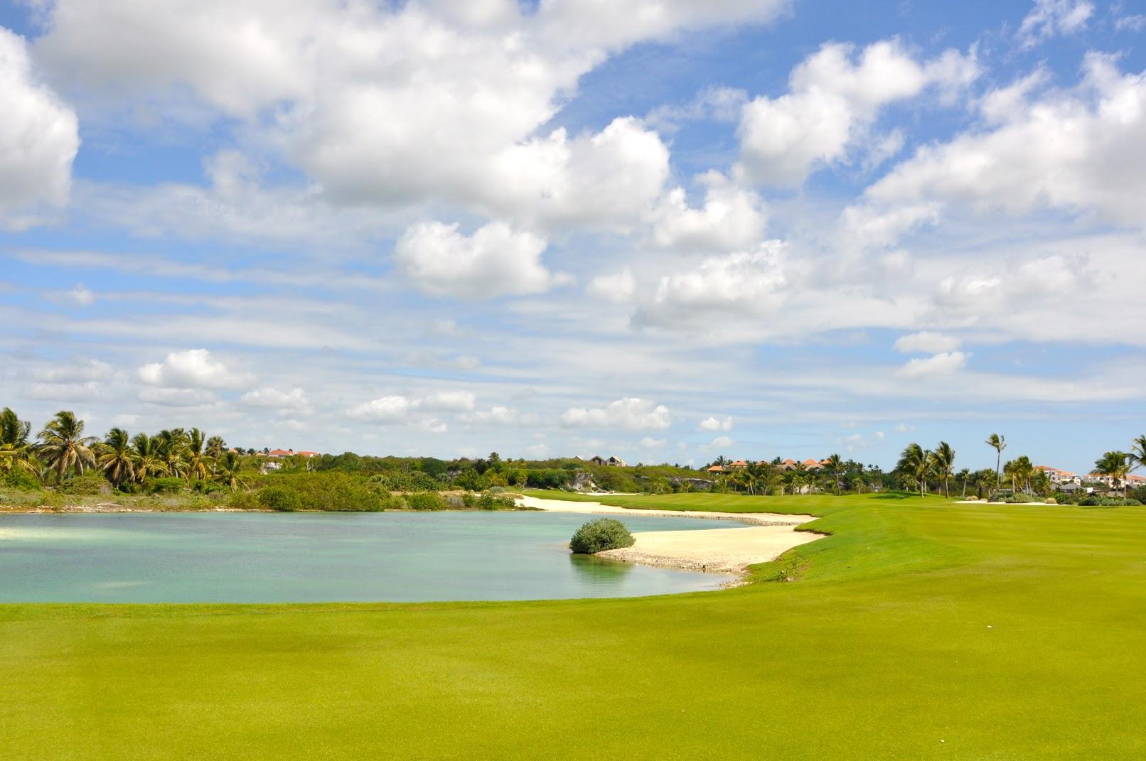 カリブ海に面した、プンタエスパーダ・ゴルフクラブにて