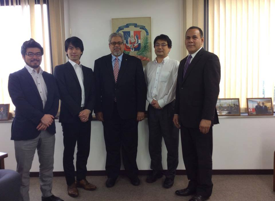 梅原BBA工房社長ご一行が、在京ドミニカ共和国大使館訪問