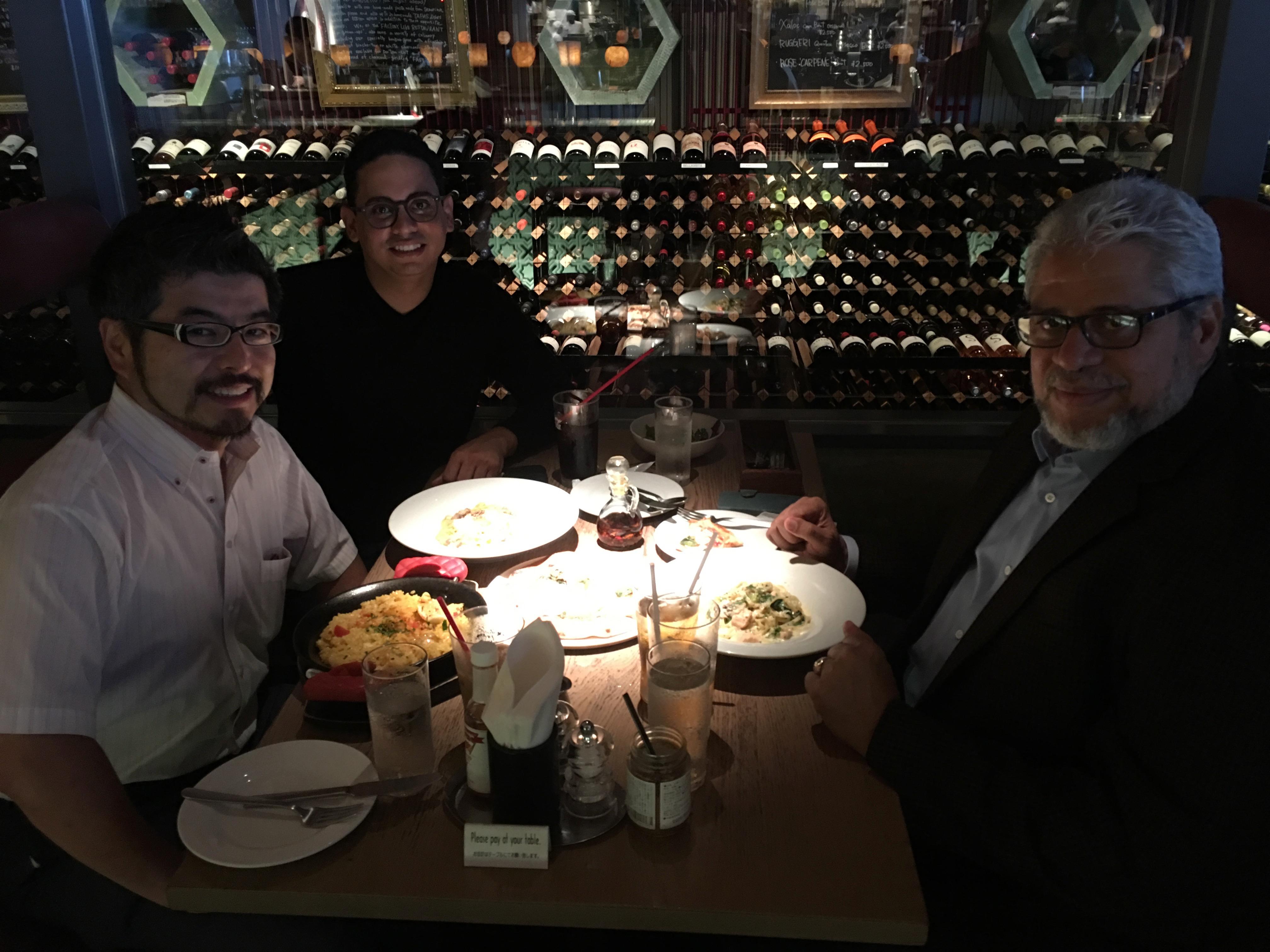 ドミンゲス大使、バラゲール公使参事官との昼食 (Sesión del almuerzo con Embajador Dominguez y Consejero Balaguer)